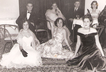 Jewish women at the Italian Club of Tripoli